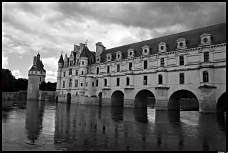 Le château de Chenonceau et son pont traversant le cher ©Olivier F-A