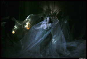 La_traviata_Benjamin_Lazar_Judith_chemla_Bouffes_Nord©PascalVictor_1_@loeildoliv