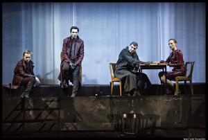 LEtatDeSiege_theatre_ville_demarcy-Mota-©JeanLouisFernandez075_@loeildoliv