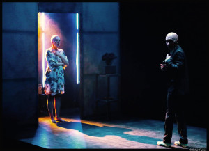 AFF_Le chien- la nuit et le couteau_Louis Arene-Munstrum theatre_3_©Bekir aysan_@loeilodoliv