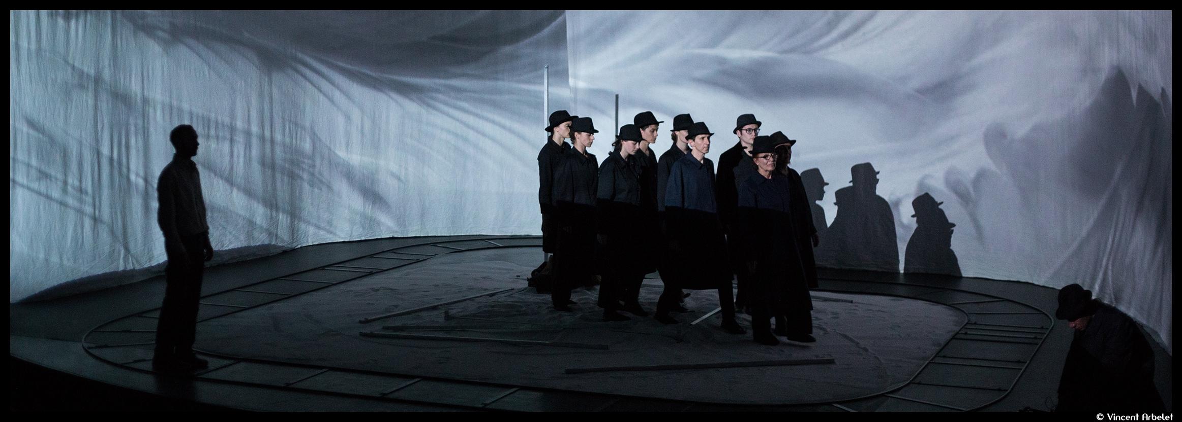 Couv_FKRZICTIONS - La Pièce 022_theatre en mai_©Vincent Arbelet_@loeildoliv