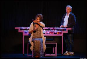 Aux côtés de Dominique Pinon, Clémentine Célarié reprend son rôle de mère courage dans la très belle pièce de Patricot © Lisa Lesourd