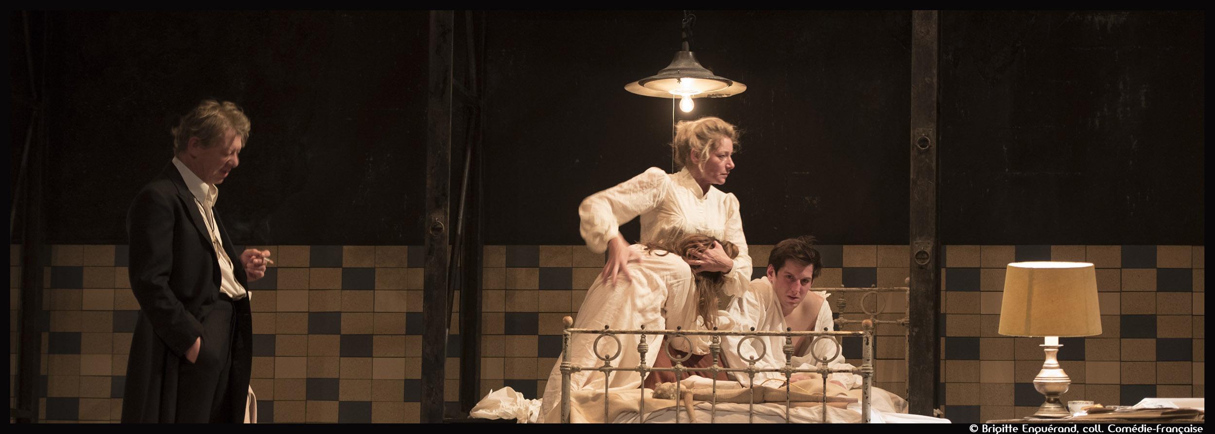 Fanny et Alexandre de Bergman - Mise en scène de Julie Deliquet - Comedie-Francaise - Salle Richelieu© Brigitte Enguérand, Coll. Comédie-Française