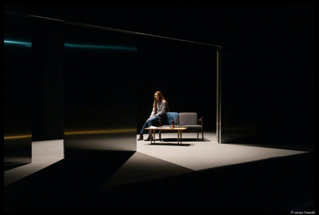 Girls and Boys de Dennis Kelly - Mise en scène de Chloé Dabert avec Bénédicte Cerutti ©Victor Tonelli