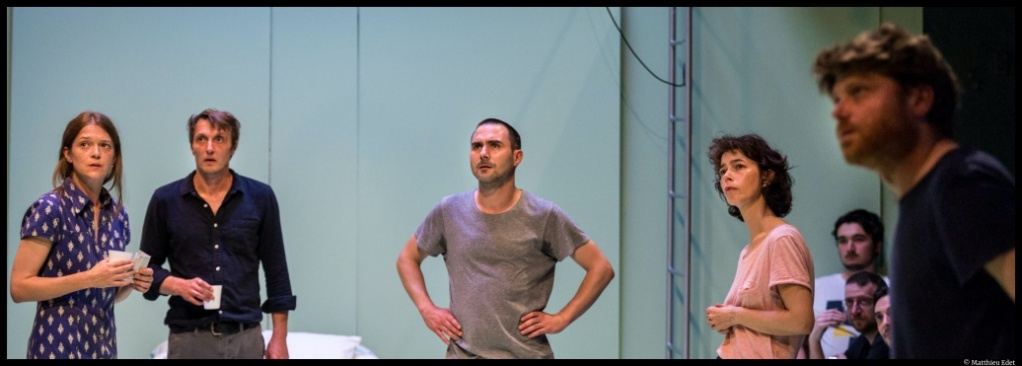 Les pièces manquantes (puzzle théâtral), une création collective. mise en scène d'Adrien Béal. Théâtre de la Tempête © Matthieu Edet