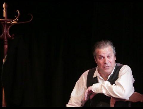 Flagrant déni d'après Guy de Maupassant. Adaptation et jeun Alain Payen. Mise en scène de Catherine Benhamou. Théâtre de la Huchette. © Fabienne Rappeneau