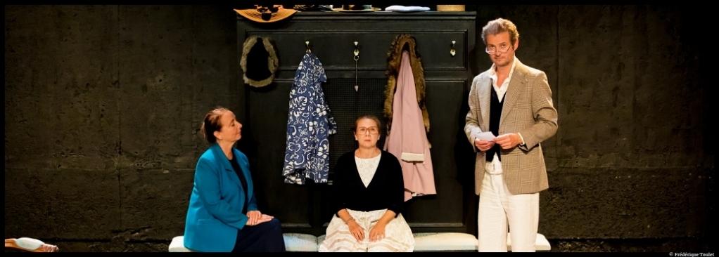 Lorsque Françoise parait d'Eric Bu. Avec Sophie Forte, Christine Gagnepain et Stéphane Giletta. Théâtre Lepic. © Dominque Toulet