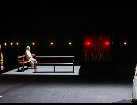 Le jeu des ombres de Valère Novarina. Mise en scène de Jean Bellorini. Semaine d'Art. festival d'Avignon. TNP. © Christophe raynaud de Lage