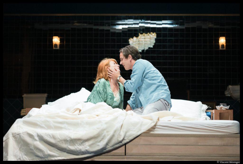 Les Parents terribles de Jean Cocteau. Mise en scène de Christophe Perton. Muriel Mayette-Holtz, Emile Berling. TNN. © Vincent Bérenger