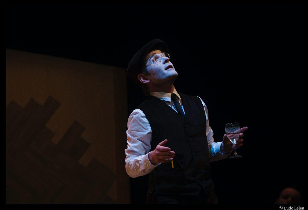 La Noce de Bertolt brecht. mise en scène Olivier Mellor. Théâtre l'Epée de bois. Centre culturel Jacques Tati. © Ludo Leleu