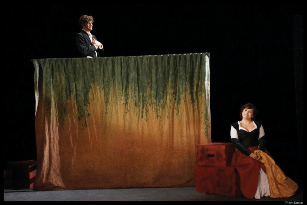 Les romanesques d'Edmond Rostand. Sandrine Molaro, Alexandre Bierry. Mise en scène de Marion Bierry. Théâtre du Ranelagh. © Ben Dumas