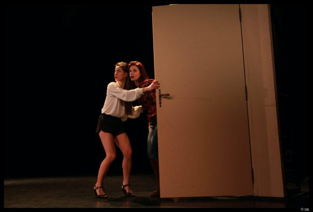 George Dandin de Molière. Mise en scène de Christian Huitorel. Adeline Chagneau et Nathalie Veneau. © DR