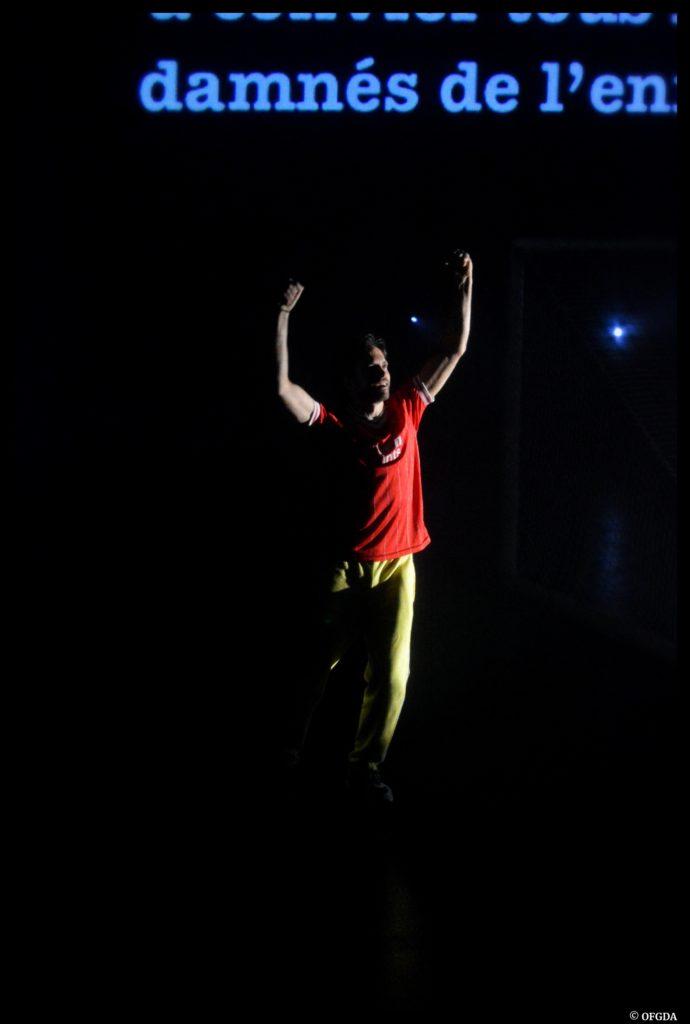 Dans la foule de Laurent Mauvignier. Mise en scène de Julien Bouffier. Zachary Fall. Théâtre de Jean Vilar de Vitry sur Seine © OFGDA