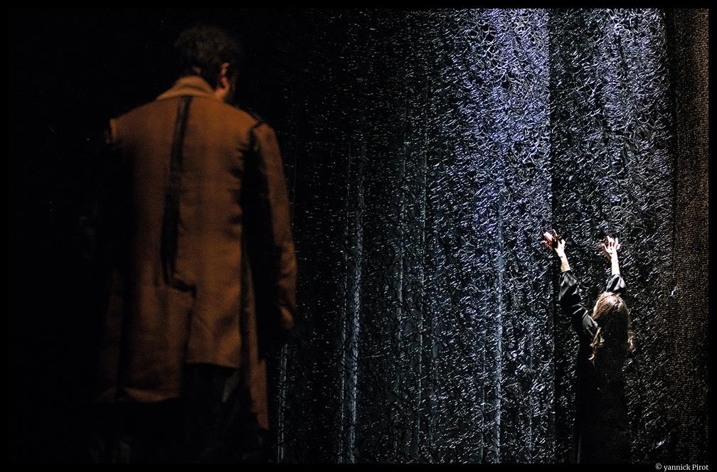 Seul ce qui brûle de Christiane Singer. Mise en scène de Julie Delille. CDN d'orléans. ©Yannick Pirot