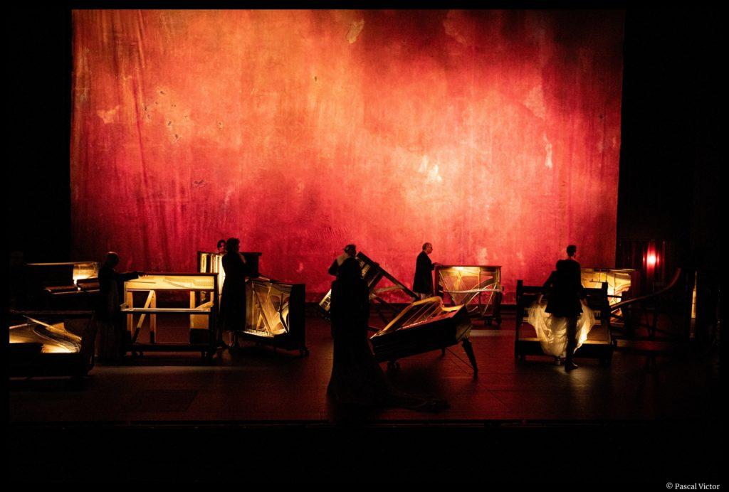 Le Jeu des Ombres de Valère Novarina. Mise en scène de Jean Bellorini. TNP. © Pascal Victor