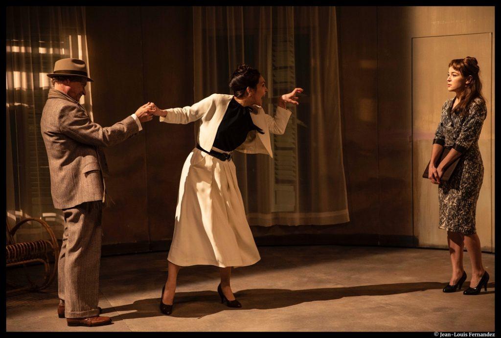 Les Femmes de la maison de Pauline Sales. Théâtre Paul-Scarron, Le Mans. Olivia Chatain, Anne Cressent et Vincent Garanger. © Jean-Louis Fernandez