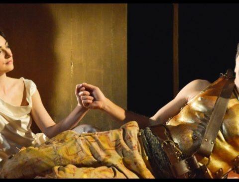 Antoine et Cléopâtre de William Shakespeare. Mise en scène de Célie Pauthe. Avec Mélodie Richard. CDN de Besançon Franche-Comté © Marion Lefebvre