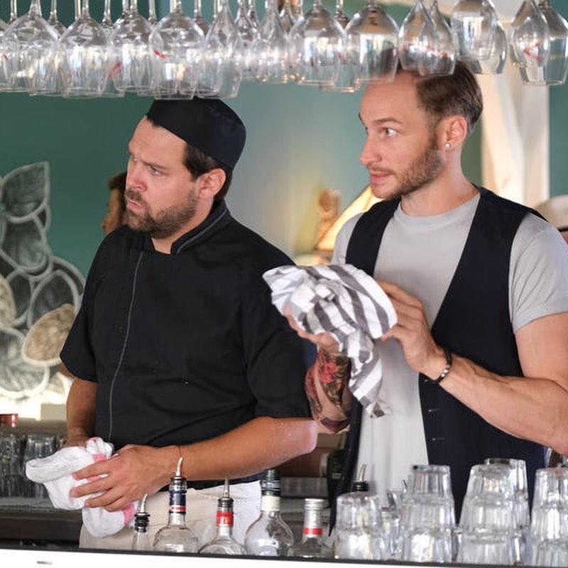 Victor Pontecorvo avec Arthur Jugnot dans Crimes Parfaits © France 3