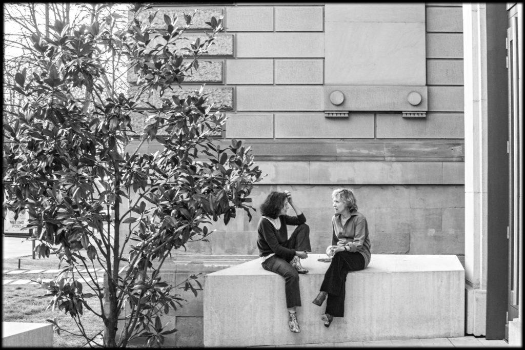 Cécile Brune en discussion avec Claudine Galéa. TNS. © Jean Louis Fernandez