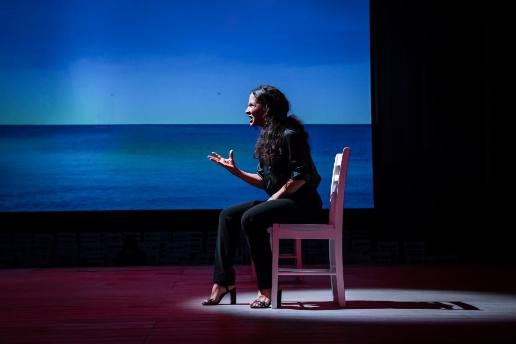 Chloé Rejon dans Iphigénie de Racine, Mise en scène Stéphane Braunschweig ©Simon Gosselin