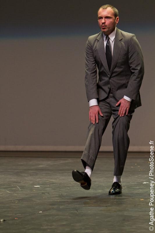 Dance is a dirty job but somebody's got to do it de Scali Delpeyrat avec Elizabeth Mazev, Mathieu Calmelet, Scali Delpeyrat, Clément Landais © Agathe Poupeney