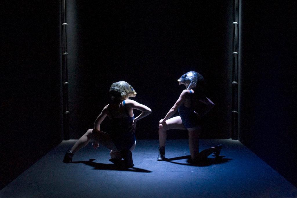 Bleu, création 2017 de Magali Milian et Romuald Luydlin - La Zampa © Sandy Korzekwa