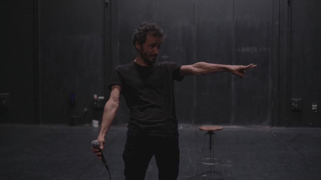 Mickaël Délis en scène © DR