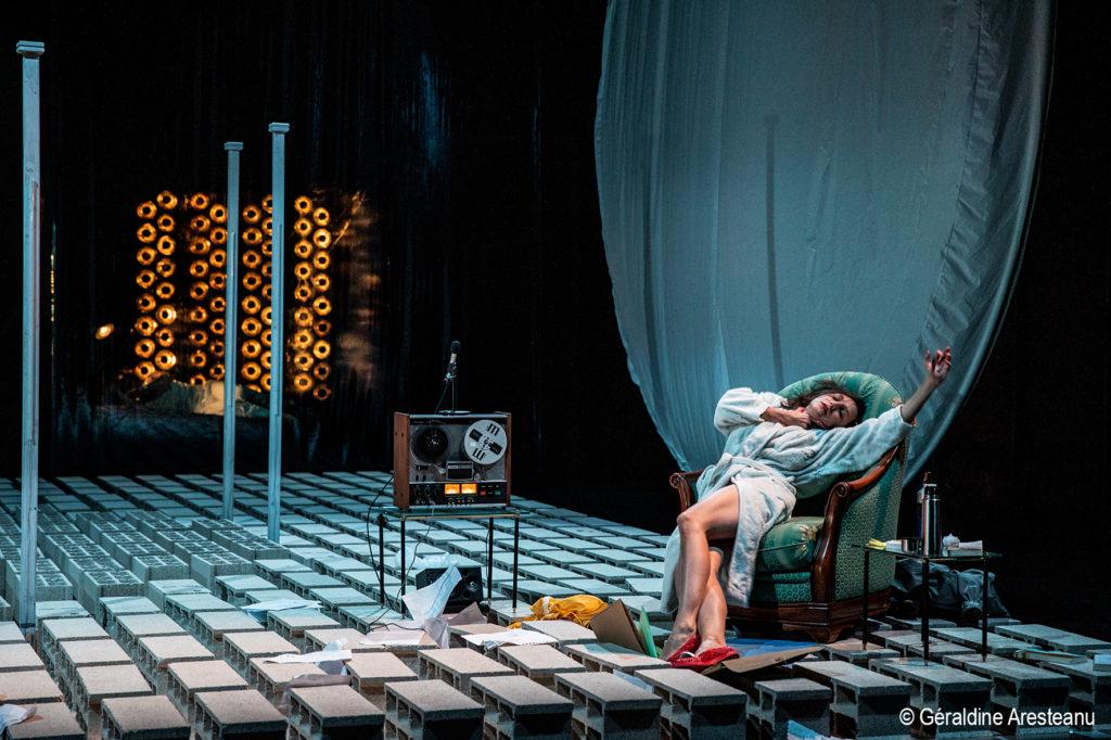 Solaris d'après le roman de Stanislas Lem.  adaptation, conception et mise en scène Pascal Kirsch  Théâtre des quartiers d'Ivry © Geraldine Aresteanu