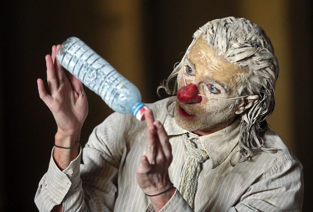 Clownstrum de Louis Arene. munstrim théâtre © Darek Szuster