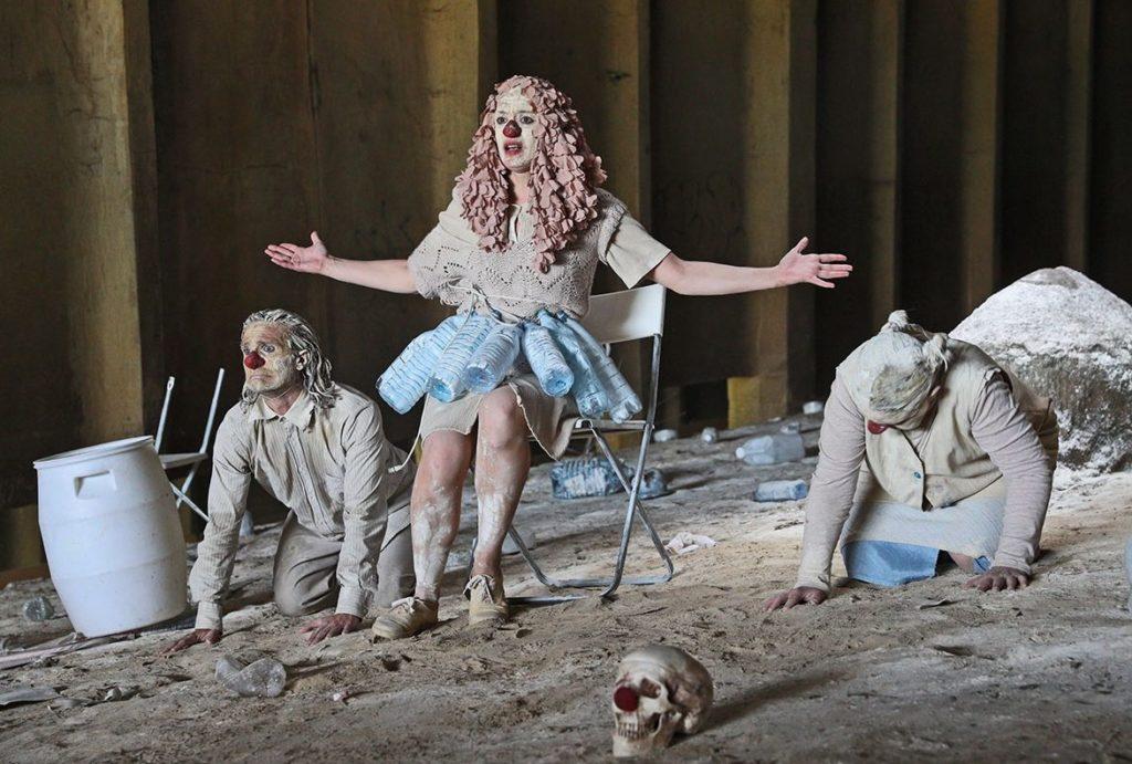 Clownstrum du Monstrum. Louis Arene. Lionel Lingelser. Le Quai. CDN d'Angers Pays de Loire.paris l'été © Darek Szuqter.