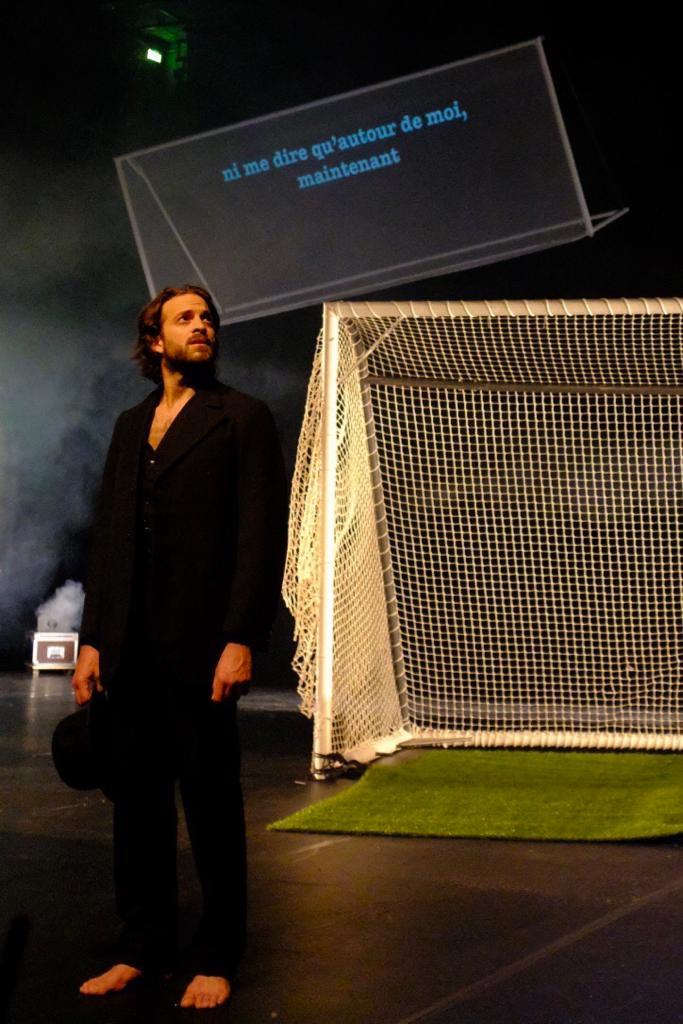 Zachary Fall dans Dans la Foule de Laurent Mauvignier. Mise en scène Julien Bouffier © DR