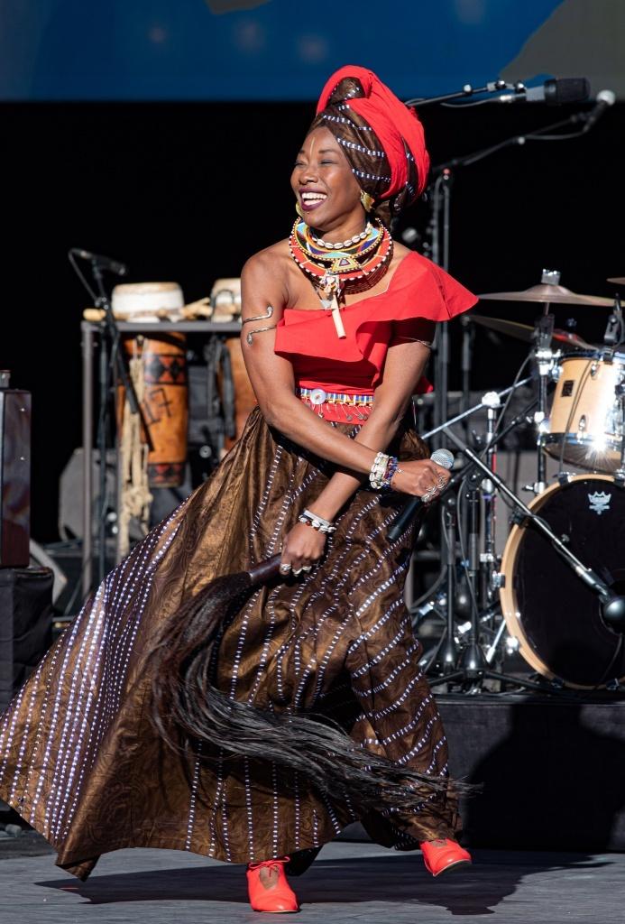 Fatoumata Diawara. La Biennale de la Danse. © M. Cavalca.