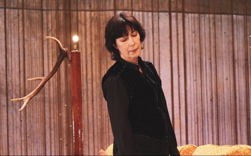 Anne Alvaro dans Hamlet de Shakespeare. Mise en scène de Gérard Watkins. TnBA. © Pierre Planchenault
