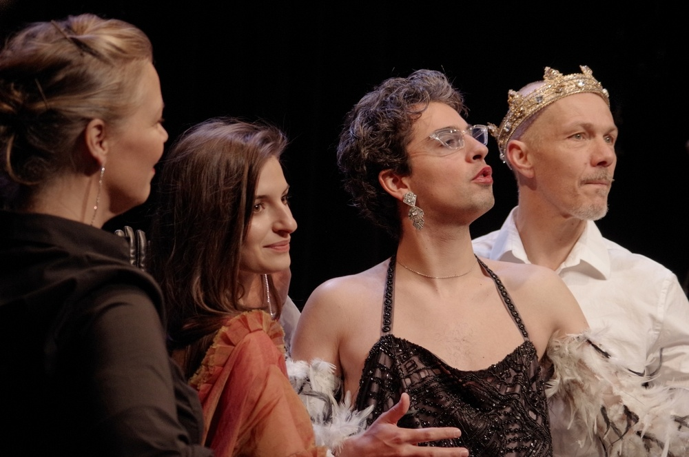 Je te pardonne (Harvey Weinstein) de Pierre Notte. théâtre du Rond-Point © Jeanne Didot