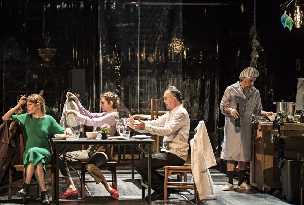 Un ennemi du peuple d'Ibsen. Mise en scène de Jean-François Sivadier. Agnès Sourdillon © Jean Louis Fernandez