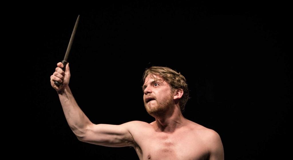Mathias Zahkar. Théâtre du Nord © Simon Gosselin