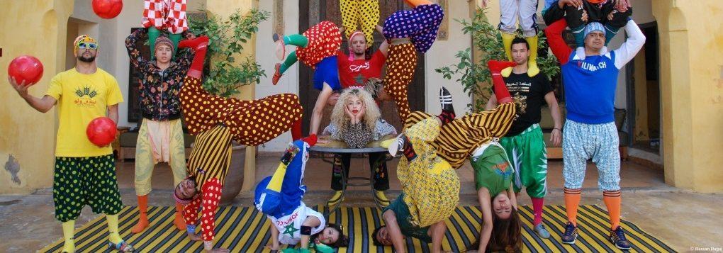 Fin ! Réveille toi de Maroussia Verbèke Diaz. Le groupe acrobatique de Tanger © Hassan Hajjaj