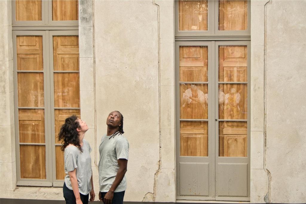 Impressions, nouvel accrochage d'Herman Diephuis - Mélanie Giffard et Yves Mwamba. belle scène Saint-Denis ©TLA
