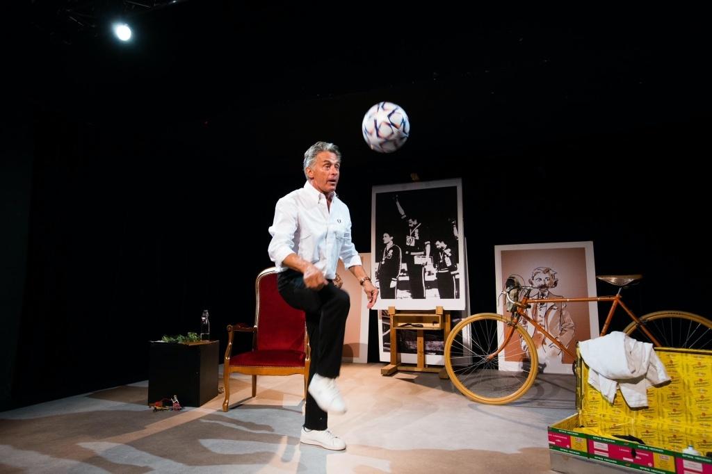 Vive le sport … et ses petits secrets! de Gérard Holtz Festival d'Avignon le OFF © Sophie Boulet