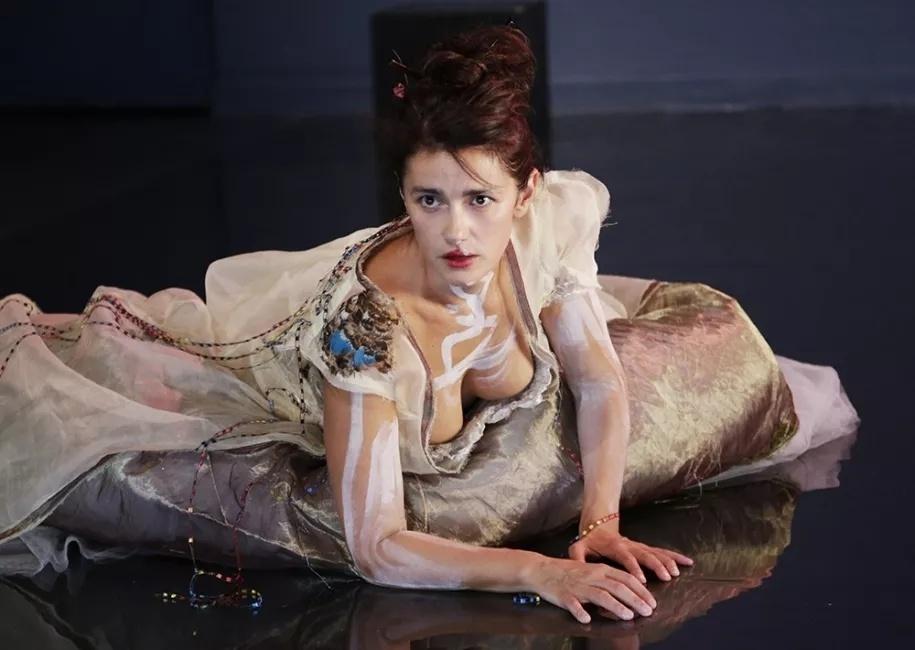 Marie Vialle dans Princesse vieille reine de Pascal Quignard ©Richard Schroeder