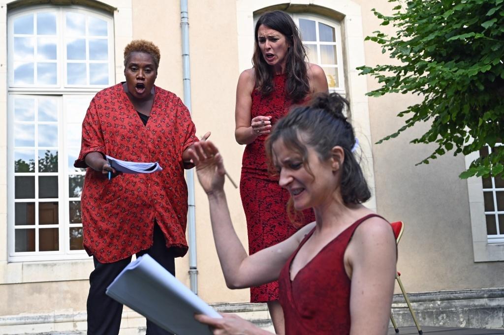 Femme disparaît (versions) de Julia Haenni (Suisse) traduction de Julie Tirard Lecture dirigée par Véronique Bellegarde Mousson d'été © Boris Didym