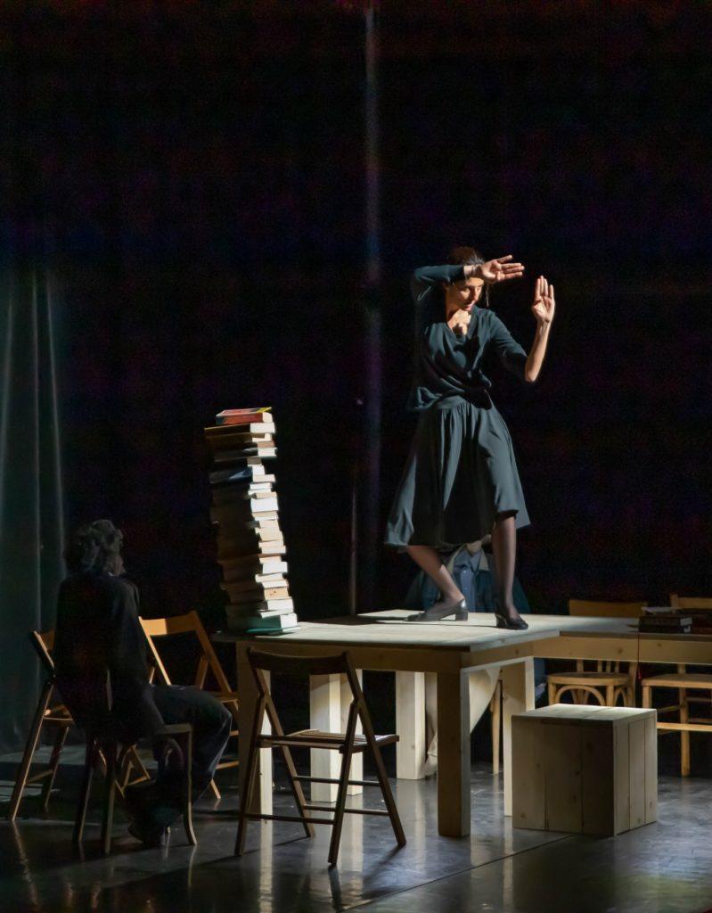 Fragments, d'après les écrits d'Hannah Arendt. Mise en scène de Charles Berling. © Nicolas Martinez Chateauvallon-Liberté, Scène Nationale CreditNicolasMartinezChateauvallonLiberteSceneNationale