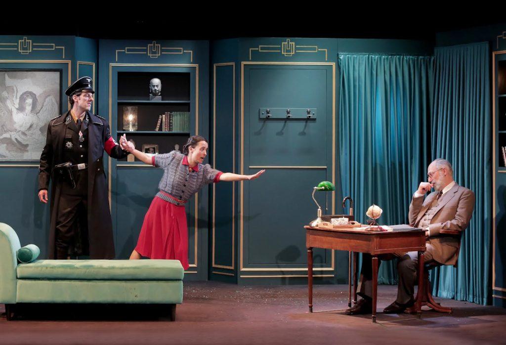 Le visiteur d'Eric-Emmanuel Schmitt Mise en scène Johanna Boyé. Sam Karmann et Franck Desmedt © Fabienne Rappeneau