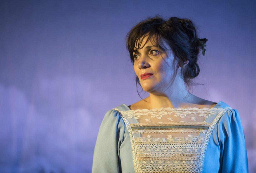 Madame Bovary reprend vie sous les traits de la lumineuse Sandrine Molaro   © Brigitte Enguerand