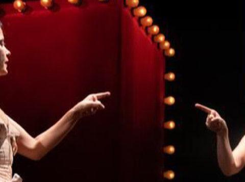 Arletty, comme un œuf dansant au milieu des galets de Koffi Kwahulé. Mise en scène et scénographie de Kristina Frédric Lavoir Moderne Parisien © Yann Slama